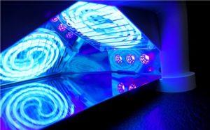 Стоит ли покупать гибридную лампу для ногтей