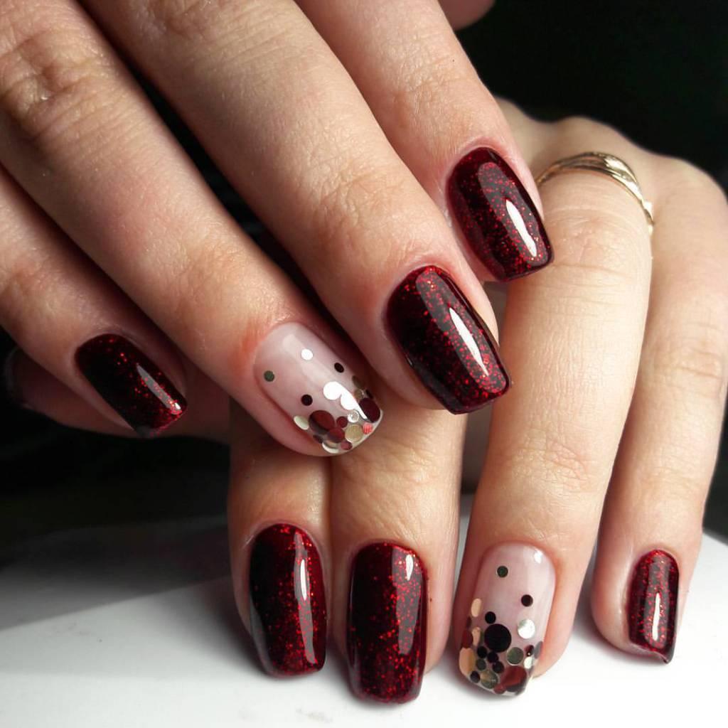 Фото дизайна ногтей бордового цвета