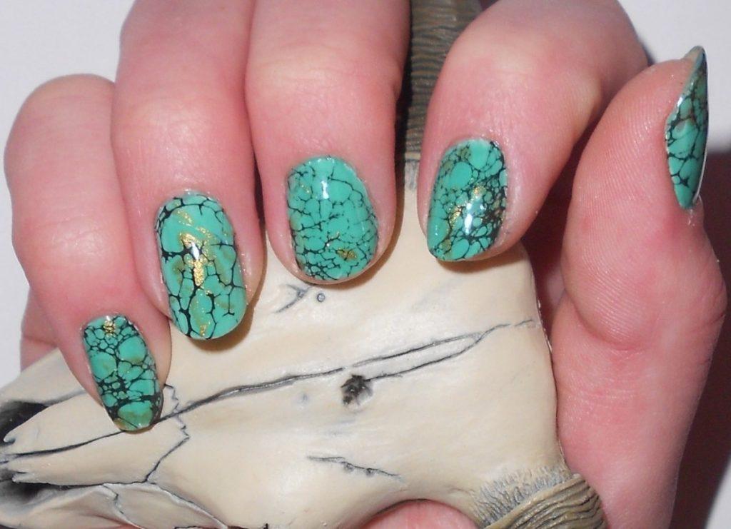 Новомодный дизайн ногтей