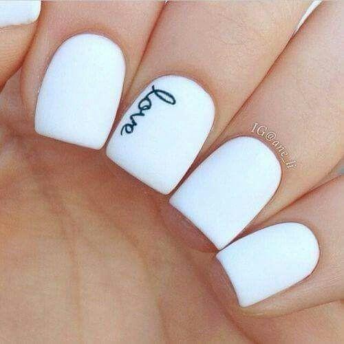 Белый цвет маникюра