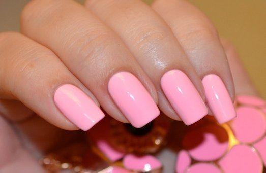 Розовый – модный маникюр