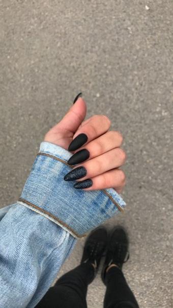 Черный лак