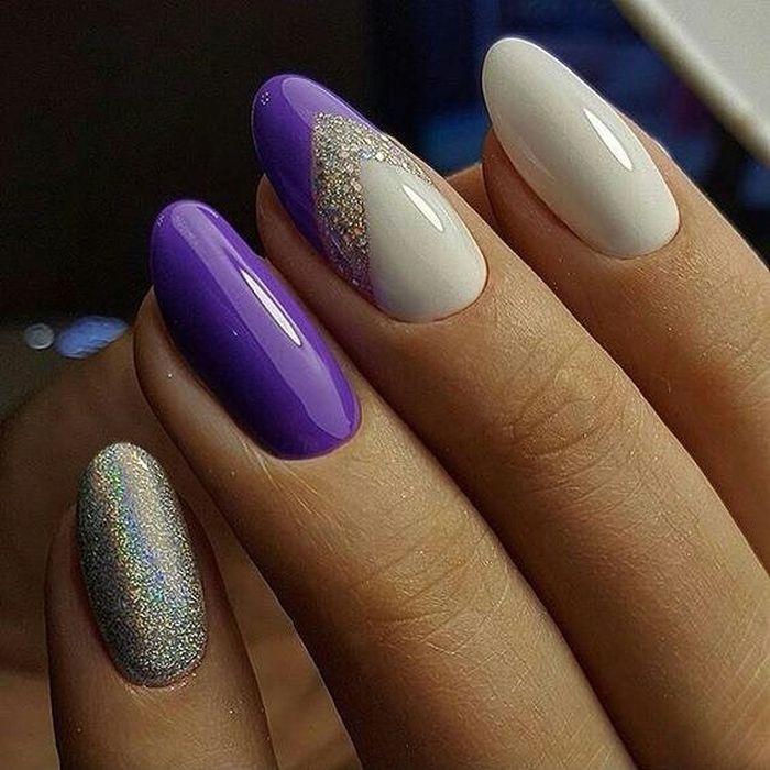 Маникюр нежно-фиолетового цвета с белым